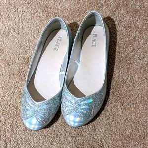 Price drop ⬇️ EUC girls silver dress shoe